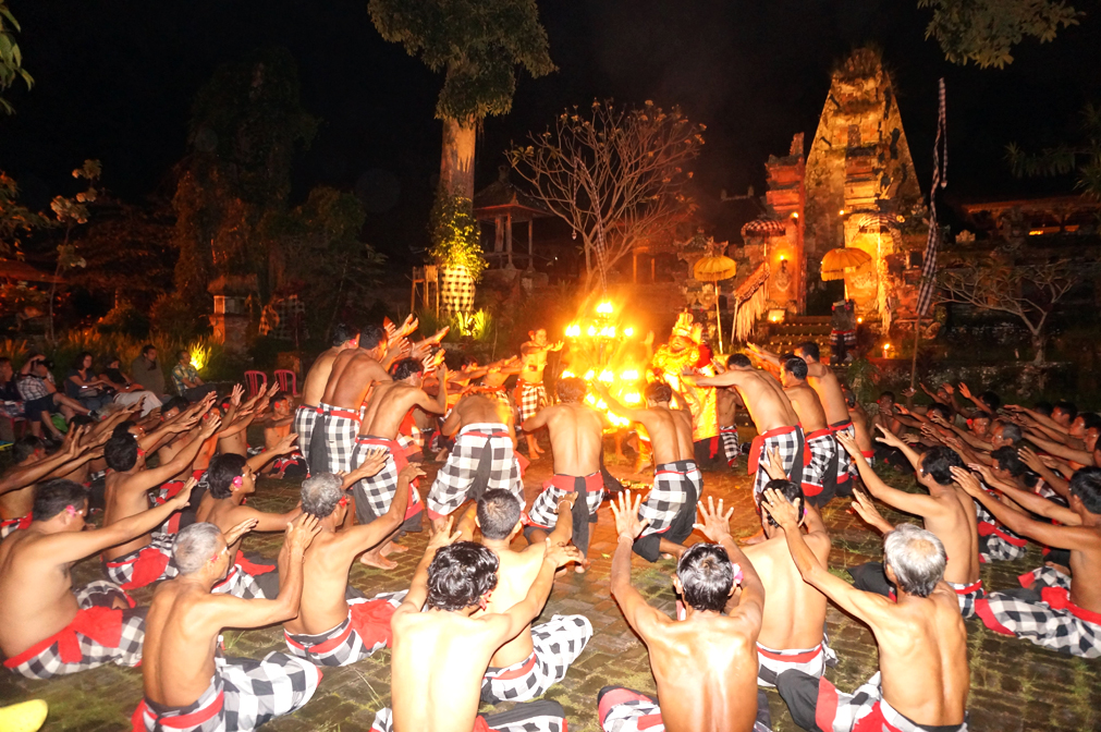 Group : Krama Desa Adat Junjungan Day : Monday / Time : 7:00pm / Venue : Junjungan village, Ubud.   Free transport from Fabulous Ubud Tourism Office at 6.45pm    As presented by the Junjungan Village