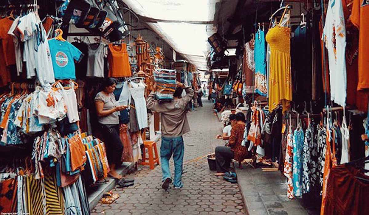 Perhaps the most frequented market for tourists, Kuta Art Market stretches from Jalan Bakung Sari