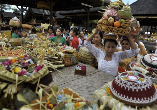 Galungan is one of the most important Balinese festival, this is a celebration of the victory of good(Dharma) over evil(Adharma) as depicted in the Ramayana epic in which the deity Indra d