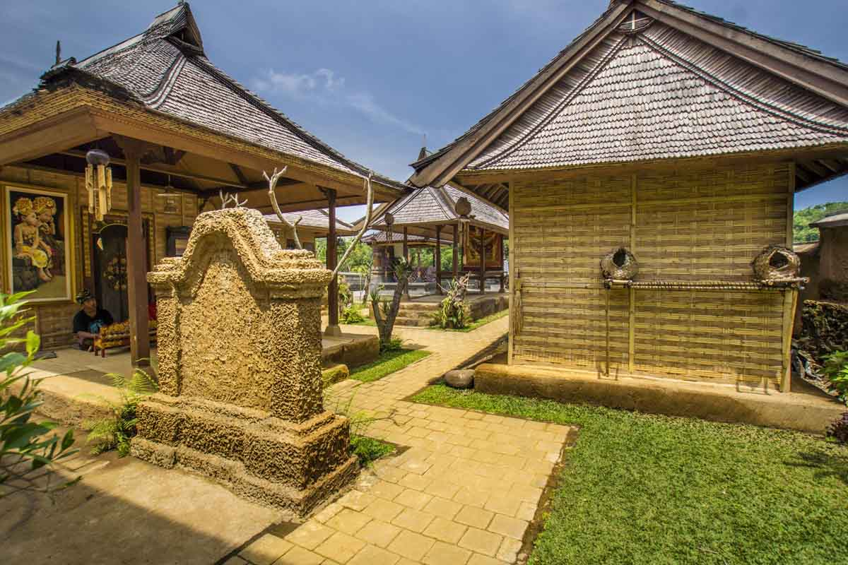 BOOK ONE DAY BEFORE !!!Min 2 PxTam Nu is a very important cultural park in Indonesia. It aims to offer comprehensive information on the cultures of various ethnic groups in Indonesia, in a most