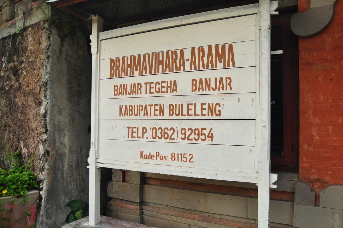 Located in the hilly village of Tegeha is Brahma Vihara Arama, Bali's largest Buddhist templ