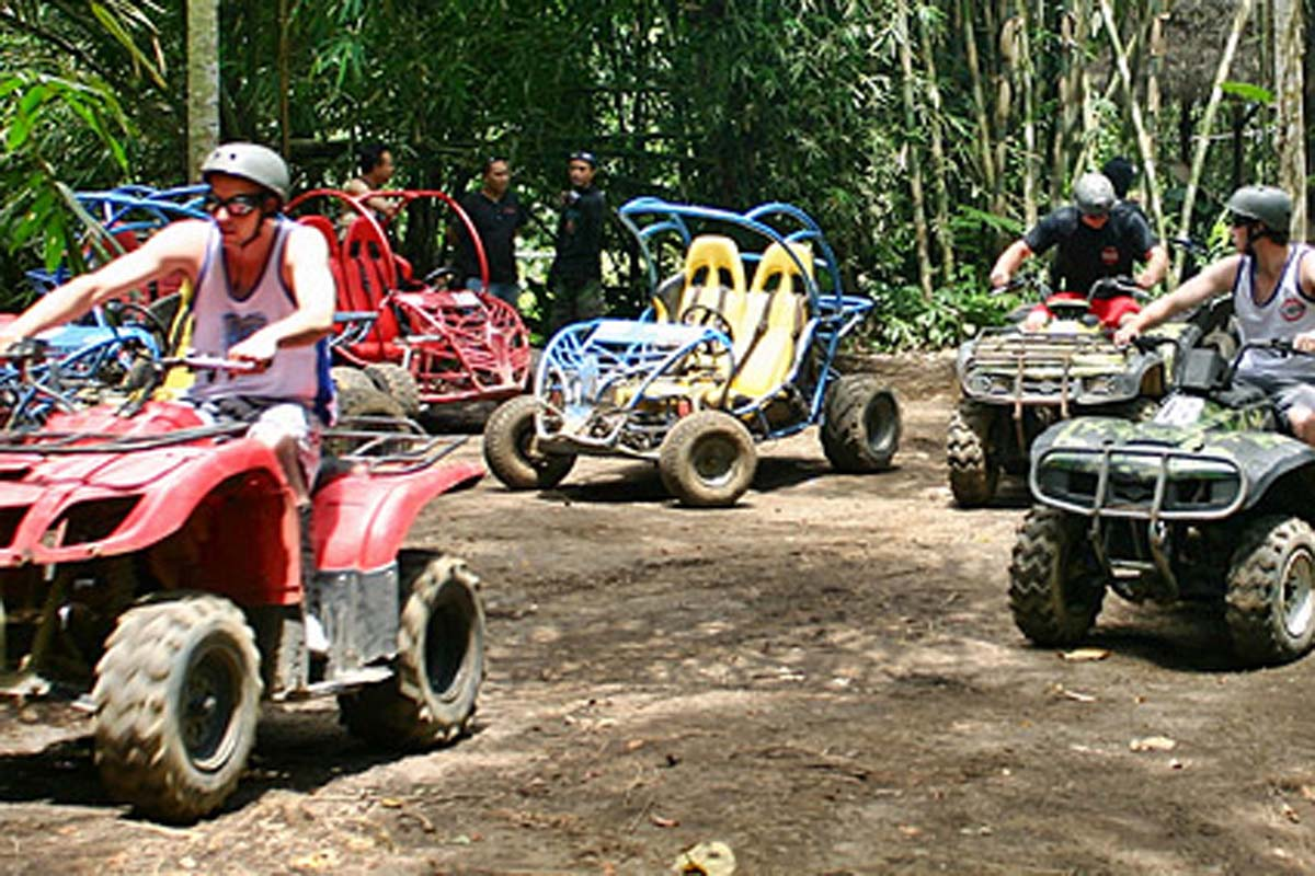 Buggies and Quads bikes are specifically designed off-road vehicles to cope with all kinds of terrain. After training you will be able to driver yourself (or as a co-pilot) into an unforgettable adven