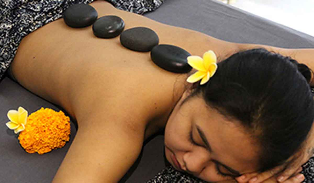 BOOK ONE DAY BEFORE !!!Pampering and revitalizing including a light lunch and drink                Bali Relaxation Massage                Facial Treatment of your choice                Hair Cream Bath