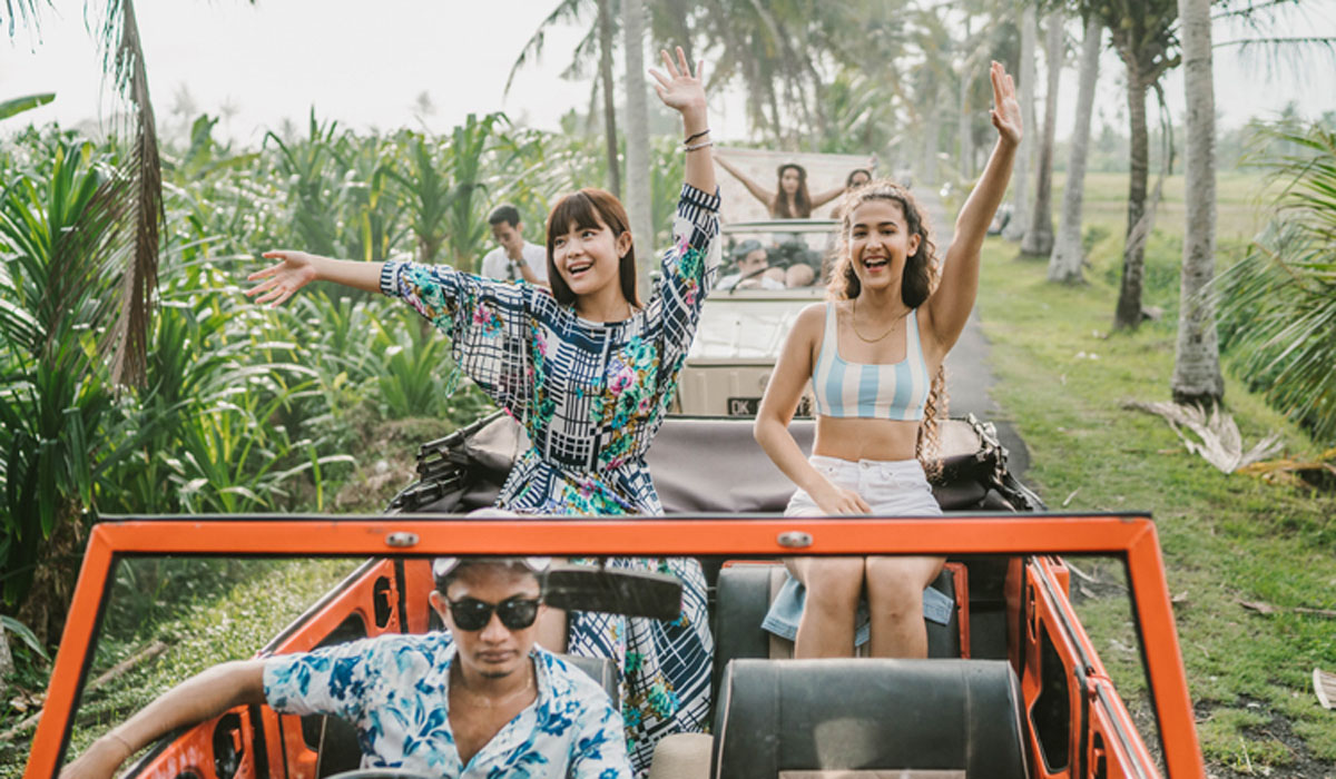 BOOK ONE DAY BEFORE!!!Let the wind blow your hair in the coolest and classic mode of Volkswagen Safari Roof car. Warm your heart with the sun of Bali. And let the breeze refresh your mind. It's