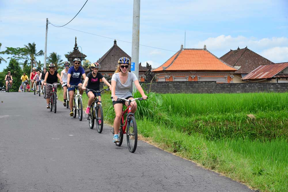 BOOK ONE DAY BEFOREPix Up : Ubud Areaat 08.15 – 08.30 amMin 2 PaxKintamani – Ubud Cycling TourThis tour is designed for travelers who seek to go deep into Bali's countryside an