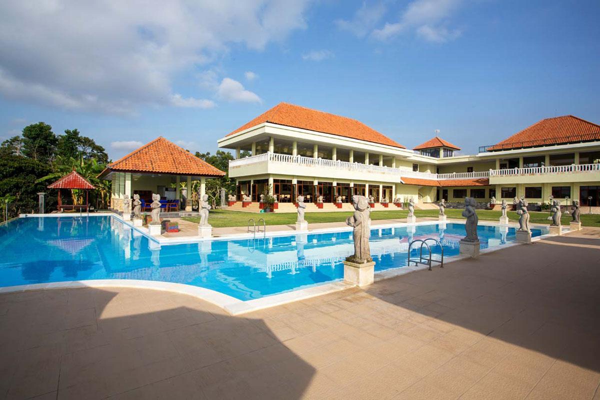 Taman Ujung Resort & Spa