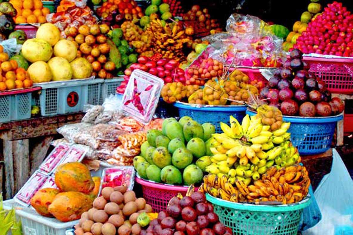 Hasil gambar untuk candi kuning fruits and space market