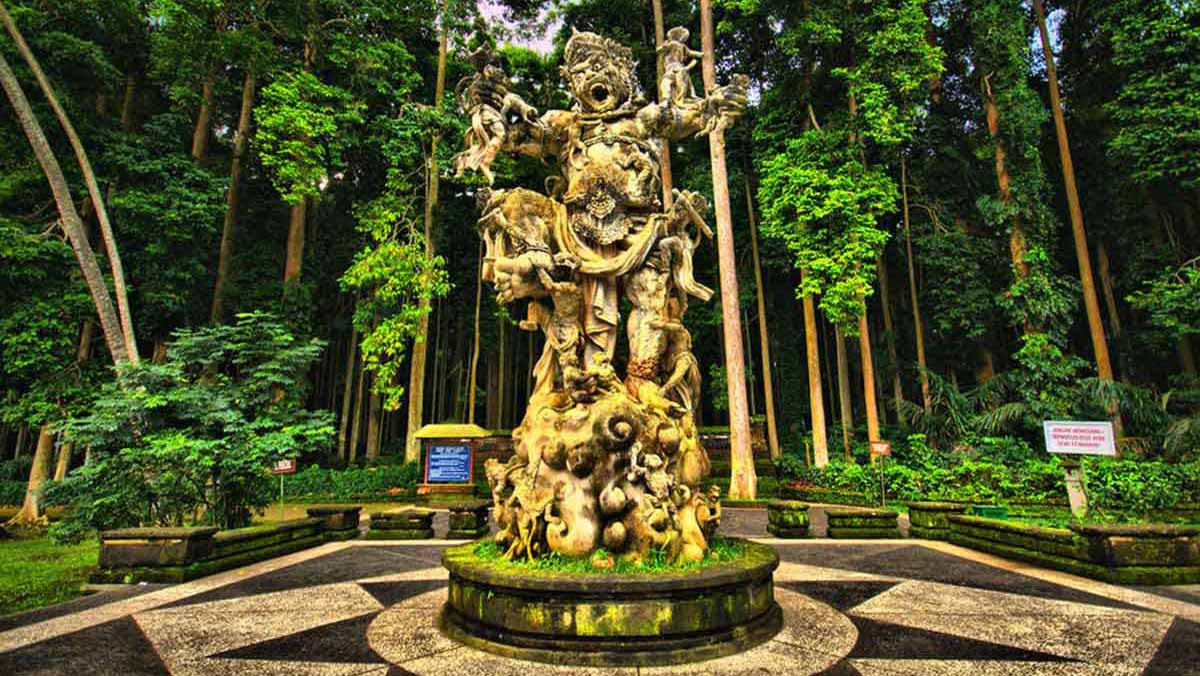 BOOK ONE DAY BEFORE !!!Price : USD 60/ for 2 Pax (Group or Sharing Tours)Pick up Time @ Ubud : 10.00 AMPackage IncludesSangeh - Holy Monkey ForestPerean - Cofee Garden & SpiceBedugul - Ulun D