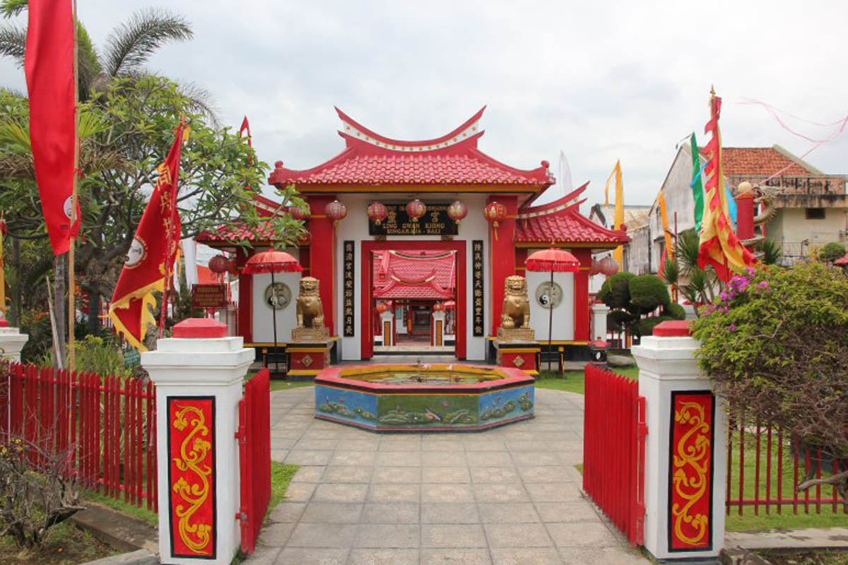 Also in the vicinity of the historic Buleleng Harbor is the colorful and beautifully constructed C