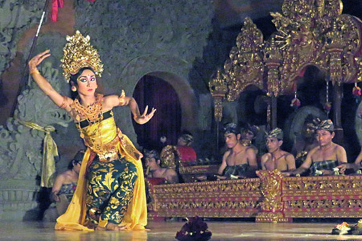 Group : Pondok PekakDay : Sunday / Time : 07.30 pm / Bale Banjar Ubud Kelod, Jl. Monkey Forest    Program :  Traditional Sanggar – the traditional music and learning centre was founded in 1988,