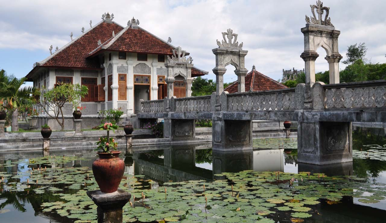Built in 1909 by I Gusti Bagus Jelantik, the predecessor of the King of Karangasem who built Tirta