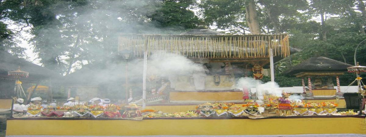 Ceremony Ageng, At Dalem Temple Padangtegal - 7 – 10 May 2016