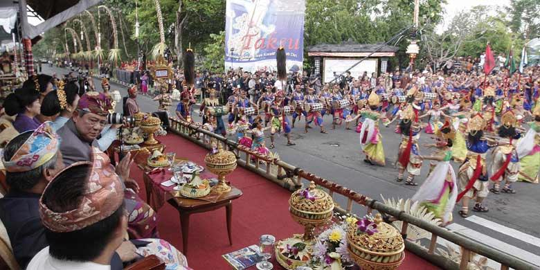 This highly notable month long Bali Arts Festival takes place every second Saturday in June till the