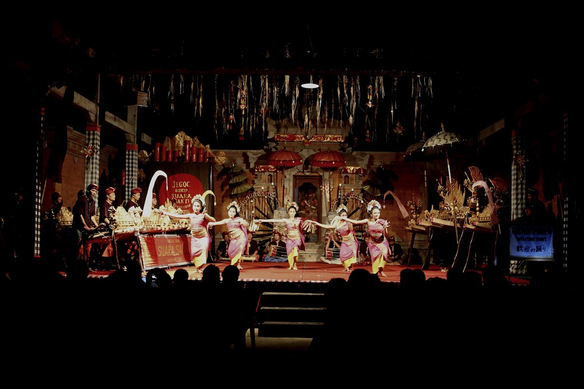 Group : Suara Sakti  Day : Friday And Sunday / Time : 7:00pm / Venue : Bentuyung Village.   Free transport from Fabulous Ubud Tourism Office at 6.45pm  Program :Truntungan   This is a Jegog instrument