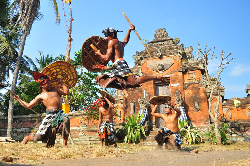 Traditionally, the ancient Gebug Ende dance was a rain dance performed during the dry season (usuall