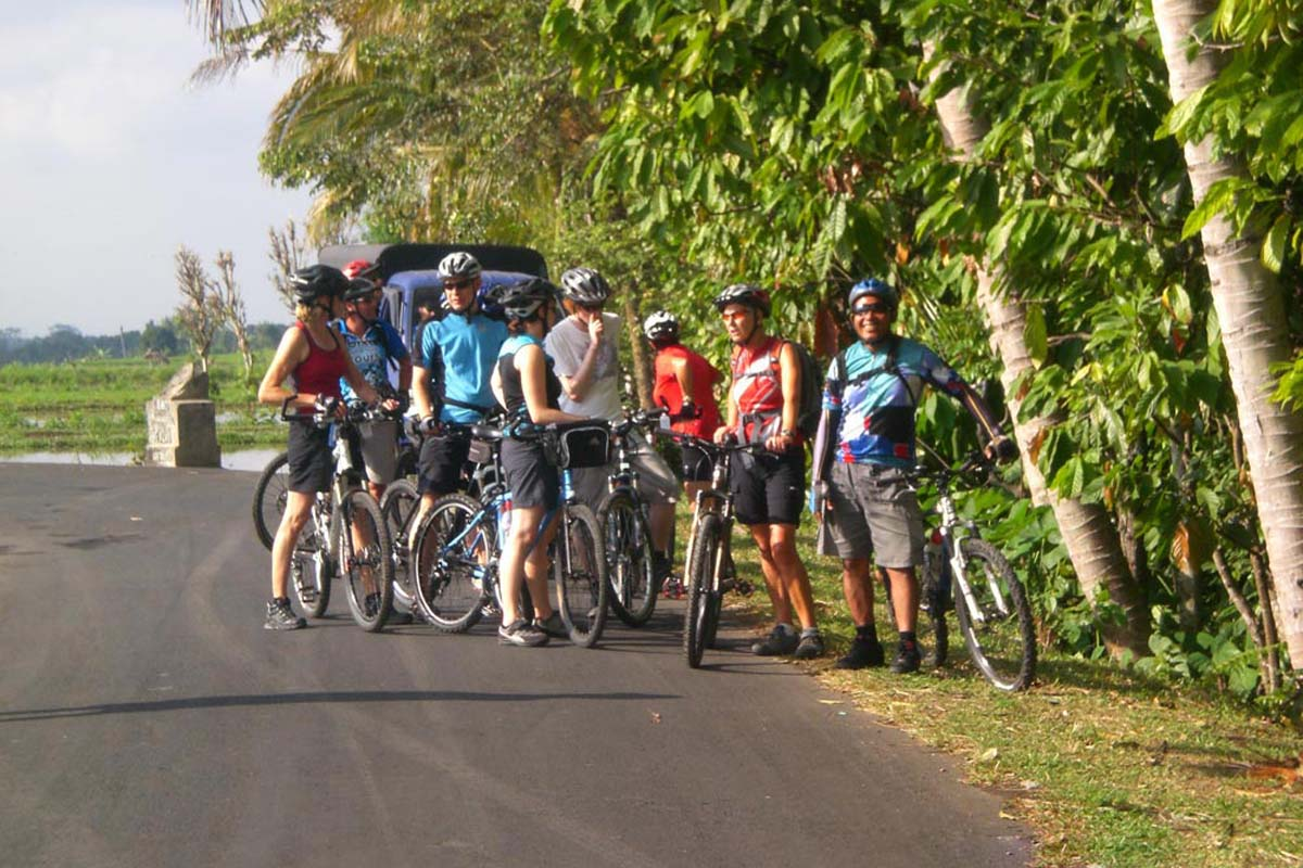 BOOK ONE DAY BEFORE !!!Min - 2 PaxPick Up (Ubud,Kuta,Sanur,Nusa Dua Area)Cycling Tours  Bal Extr Cycling Tours was established in August 2008. This unforgettable cycling tour is great challenge for