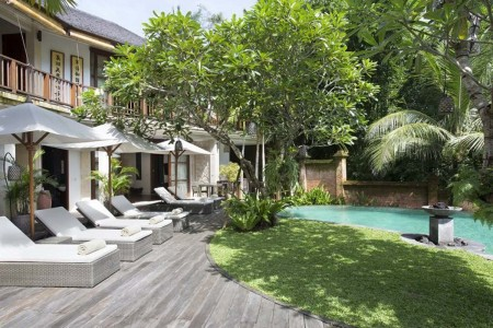 Villa Iskandar is a serene riverside sanctuary, built into the banks of the Yeh Penet River in Bali&
