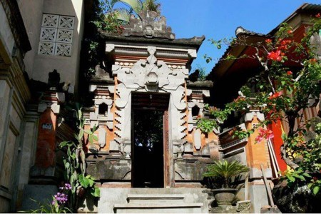Gunung Merta  Bungalows is a  collection of 8 unique guest rooms set within a traditional Balinese