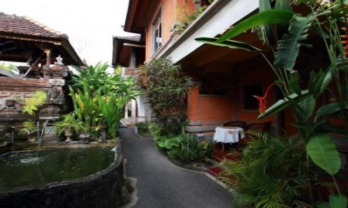 HOT DEAL @Citrus Tree B&B- Hutama