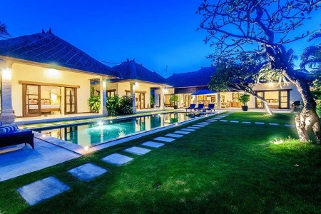 Located in a secluded lane off Jalan Drupadi, Villa Santai is blessed  with a fantastic location fro
