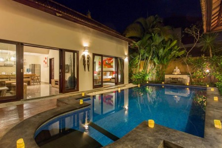 This villa is in the famous Seminyak area, walk distance to the  Seminyak Beach, also close to where