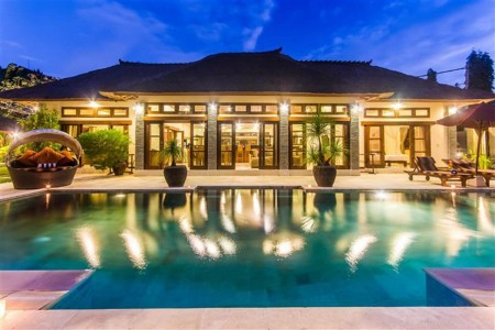 Located in a secluded lane off Jalan Drupadi, Villa An Tan is blessed with a fantastic location from