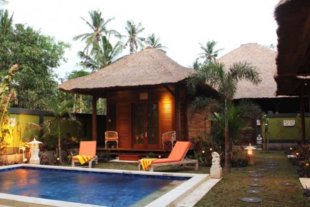 Offering an outdoor pool, the traditionally built Tropica Tranquility Villa is located in Lembongan,