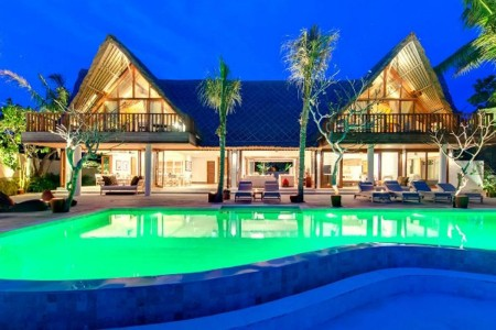 Villa Voyage is a once-in-a-lifetime experience. Located on absolute beachfront property in the idyl