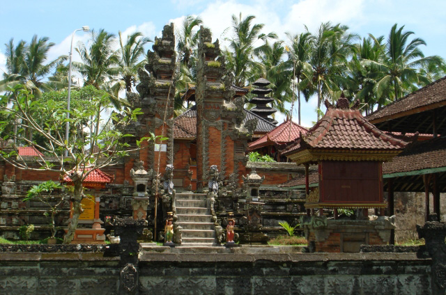 What makes this red-bricked, mosque-like temple in Bunutin Village such an anomaly amongst the thous