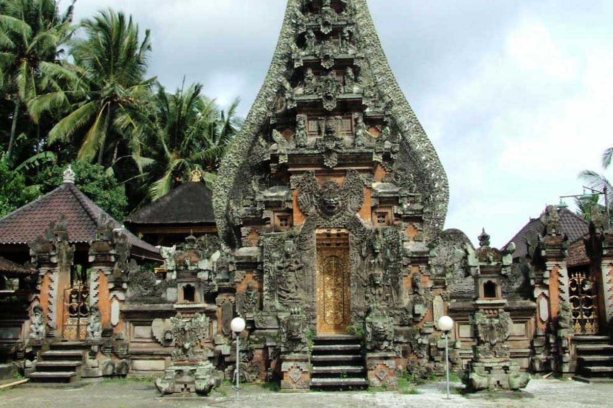 Eerily beautiful, this 'Temple of Death Rites', otherwise known as Pura Dalem Sidan is