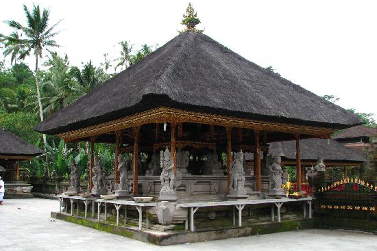 Pura Tirta Empul was built in 962 A.D. during the Warmadewa dynasty. Situated in Tampak Siring in a