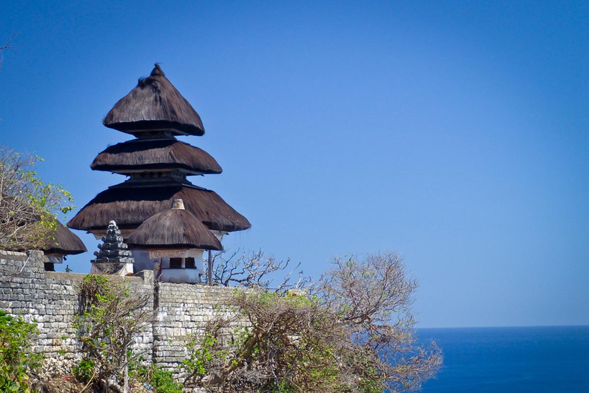 Pura Luhur Uluwatu is spiritually important to the people of Bali, as it is one of Bali's sacr
