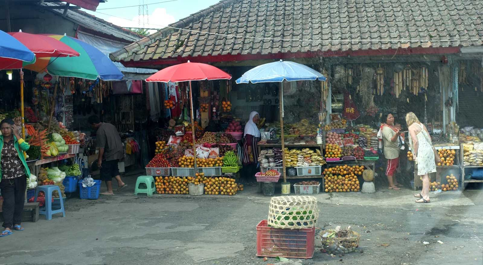 If you are in the market for fresh fruits, vegetables, and spices, Candi Kuning Market – the f