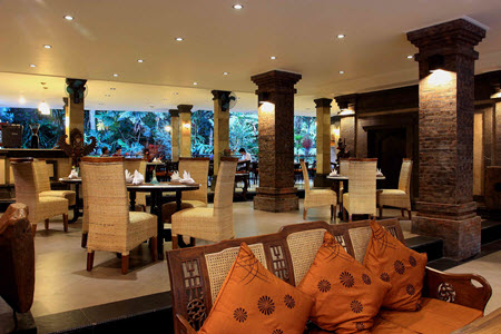 how to  book accomodation in bali