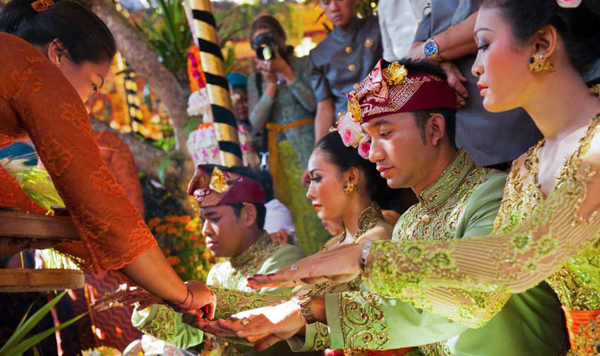 The next big step in the Balinese cycle of life is marriage which is regarded as the passage into