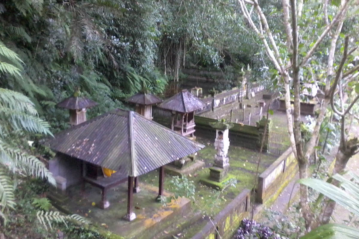To the west of Tirta Empul and north of Pura Candi Gunung Kawi, is Pura Mengening, another temple c